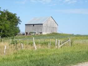 Elderslie Twp Con B Lot 32 barn