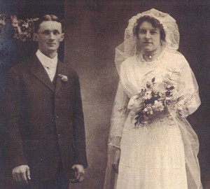 Jack Wallace and Florence Hammond atthe time of their 1915 marriage